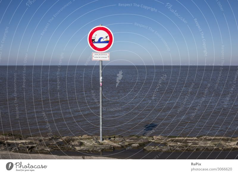 Wave warning sign on the beach. Lifestyle Leisure and hobbies Vacation & Travel Tourism Sightseeing Summer Summer vacation Beach Ocean Waves Sports