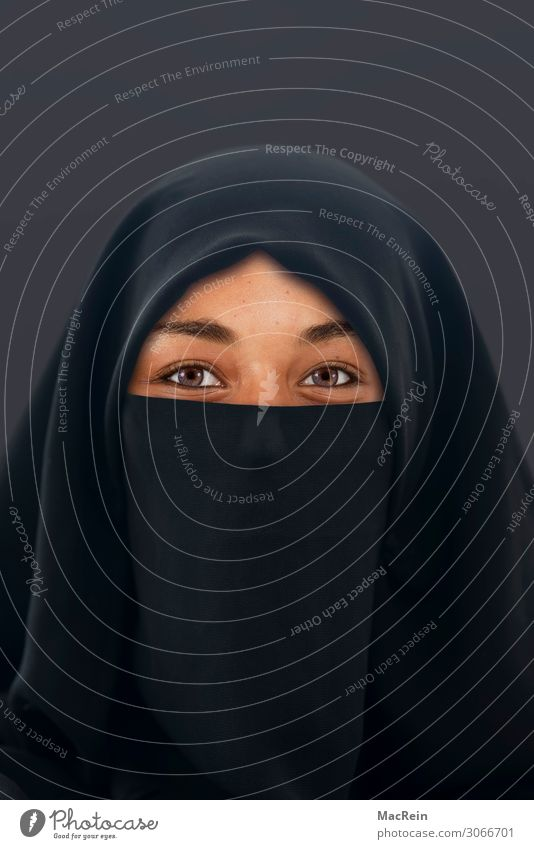 Muslim Human being Feminine Young woman Youth (Young adults) Woman Adults Head Face Eyes 1 18 - 30 years Clothing Protective clothing Burka Headscarf Emotions
