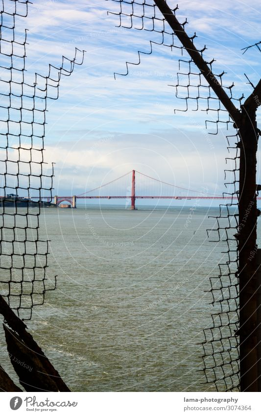 Vacation & Travel Ocean Architecture Coast Freedom USA Bridge Transience Past Tourist Attraction Landmark Manmade structures Americas Monument Fence Decline