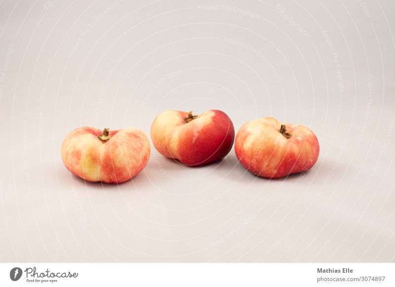 3 Pfisiche Food fruit Peach Nutrition Picnic Organic produce Vegetarian diet Diet Finger food Vitamin Firm Healthy Good Delicious Sustainability natural