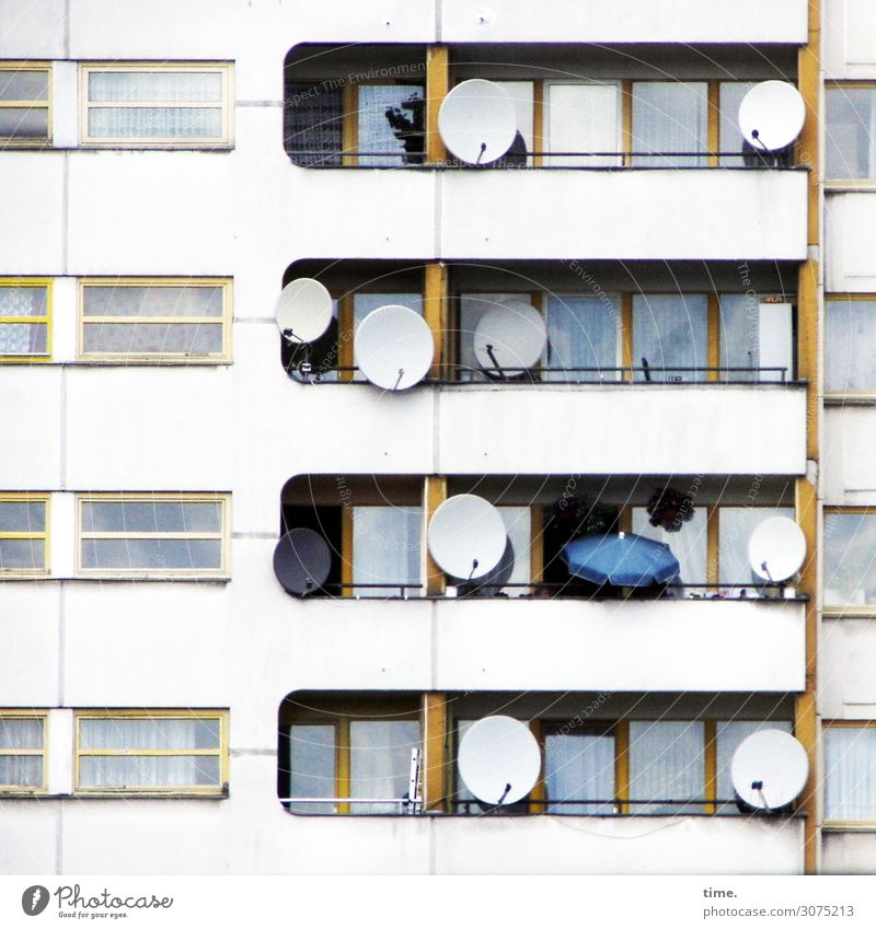 Neighbourhoods (IV) Living or residing Drape Curtain Sunshade Berlin Downtown House (Residential Structure) High-rise Architecture Wall (barrier)