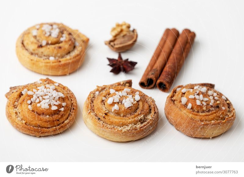 Channel Bull Dough Baked goods Roll Dessert Breakfast Cup Table Wood Delicious Brown White cinnamon bun Cinnamon canelbullar Swedish coffee particles Sweet