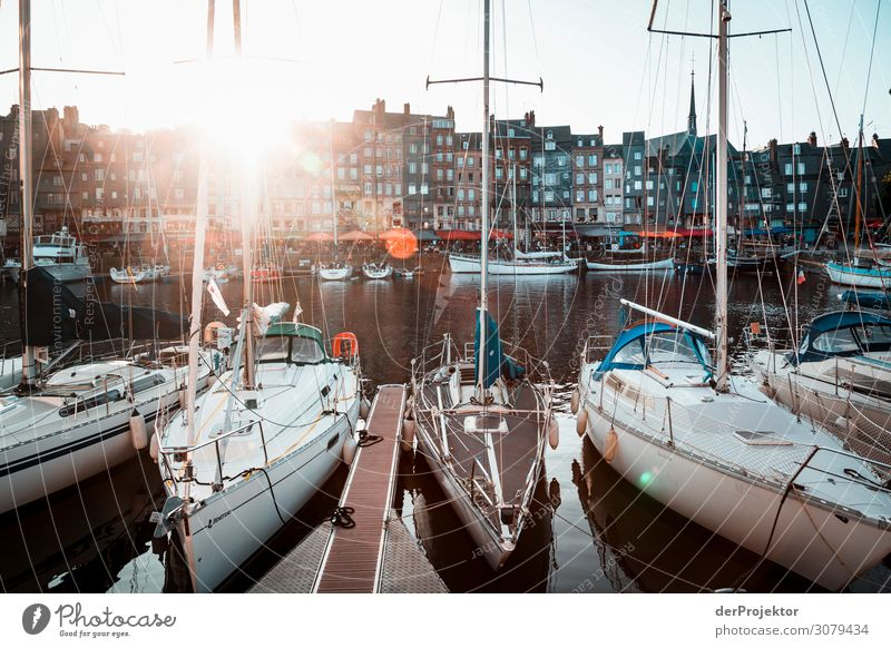 Harbour in Honfleur at sunset Joerg farys theProjector the projectors wanderlust travel photography Normandie Copy Space bottom Copy Space middle