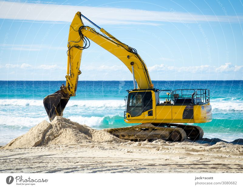 digging at the beach Sky Naked Ocean Clouds Far-off places Beach Warmth Yellow Work and employment Sand Moody Horizon Free Power Authentic Beautiful weather