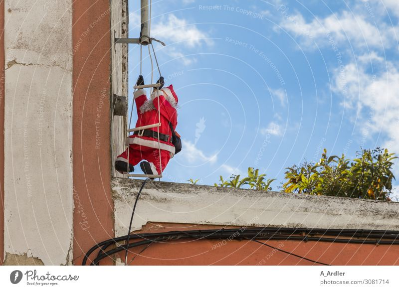 Santa Claus on the ladder Joy Summer Christmas & Advent Fairs & Carnivals Climbing Mountaineering House (Residential Structure) Wall (barrier) Wall (building)