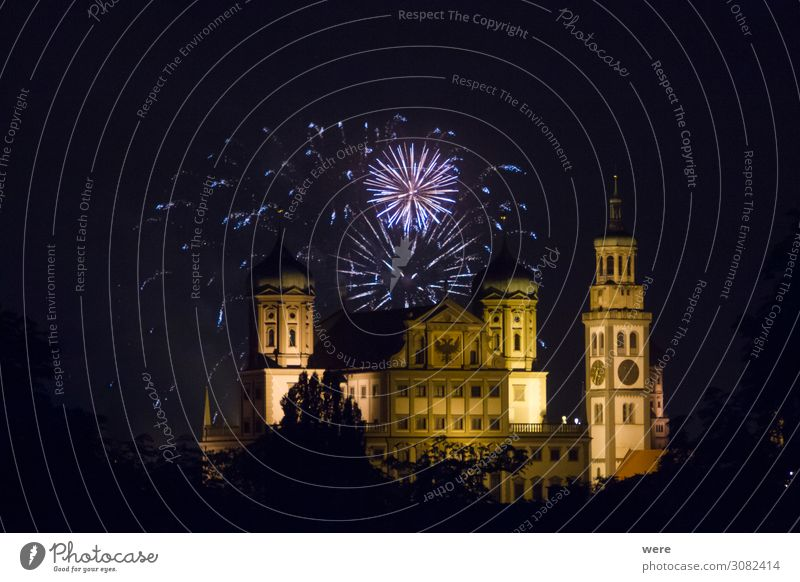 fireworks over the illuminated Augsburg Town Hall Entertainment Event New Year's Eve City hall Tourist Attraction Landmark Feasts & Celebrations Firecracker