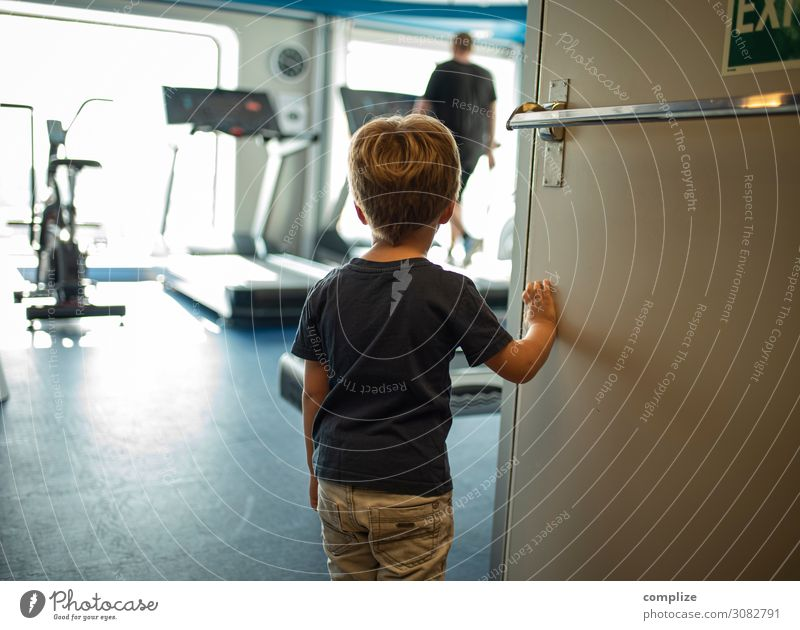 fitness Lifestyle Style Healthy Athletic Fitness Leisure and hobbies Sports Sports Training Sportsperson Child Human being Observe Looking Fitness centre