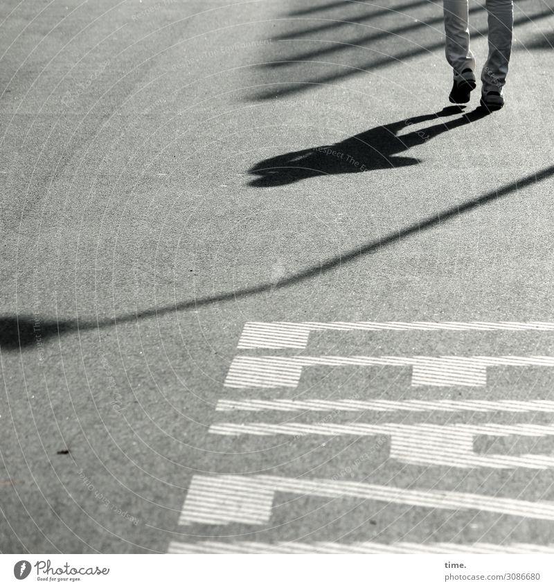 Shadowspendierer | on the road again Masculine Man Adults Legs Feet 1 Human being Pedestrian Street Lanes & trails Concrete Asphalt Street lighting Lantern