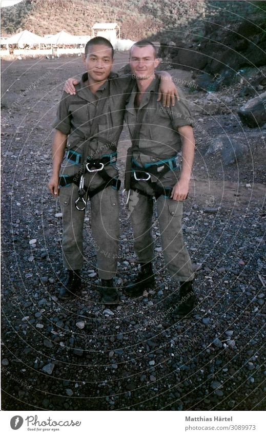 Legionaries ARTA Plage Djibouti 1989 Human being Masculine Friendship Adults 2 18 - 30 years Youth (Young adults) Emotions Foreign Legion Colour photo