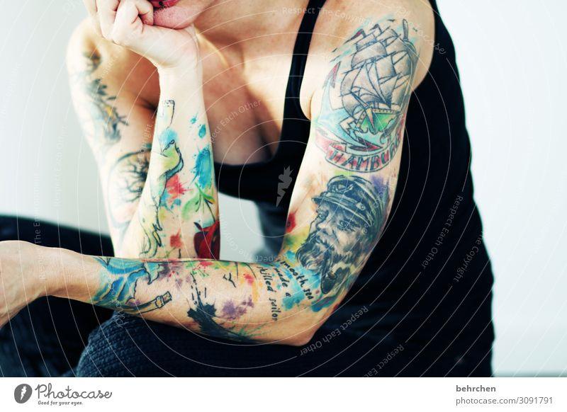 Tattoo arme frau