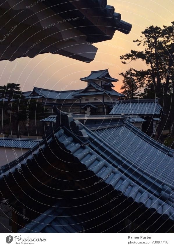 The castle in Kanazawa, Japan, at sunset Sunrise Sunset Palace Castle Tourist Attraction Landmark Calm Roof Colour photo Exterior shot Deserted Evening Twilight