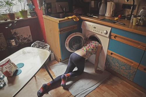 Trash! 2019 | where is the sock? Child Girl Living or residing Flat (apartment) at home Kitchen Untidy Kitchen stuff Search Washer Crazy Wacky Stupid Normal