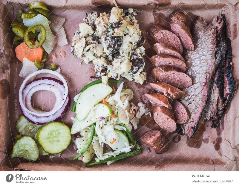 Tray Full of Texas Barbecue Barbecue (apparatus) Barbecue (event) BBQ Food Dish Food photograph Smoked Lunch Beef Ribs Sausage Side dish Meal