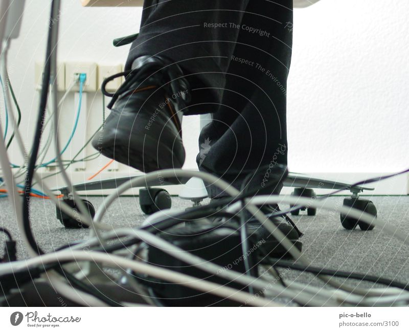 cable and leg Work and employment White Gray Black Electrical equipment Technology Office Cable Business