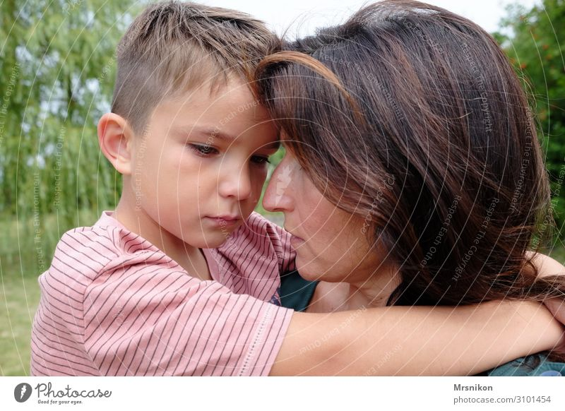 Child Human being Adults Life To talk Love Natural Sadness Boy (child) Together Fear Communicate Infancy Warm-heartedness Touch Protection