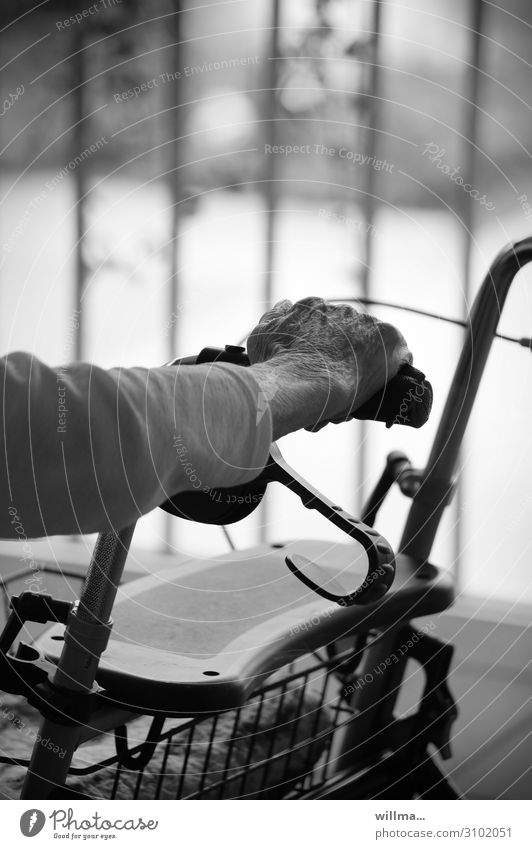 Old Hand Break To hold on Retirement Hold Door handle Retirement pension Nursing home Rollator