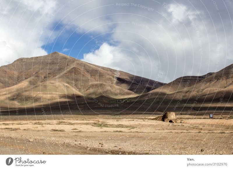 Lanzarote Vacation & Travel Far-off places Hiking Nature Landscape Earth Sky Clouds Summer Hill Mountain Dry Brown Sparse Colour photo Exterior shot Deserted