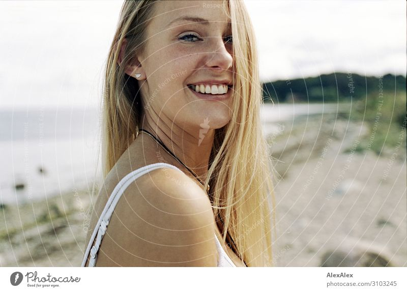 Portrait of a young woman on the beach Style Joy Beautiful Life Well-being Summer Summer vacation Sun Beach Ocean Young woman Youth (Young adults) 18 - 30 years