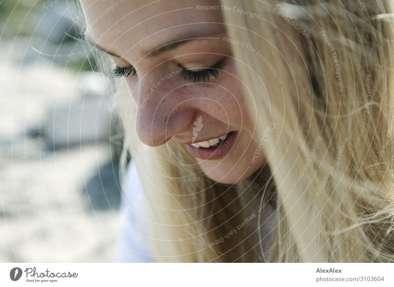 Portrait of a young woman Style Beautiful Senses Relaxation Summer Summer vacation Young woman Youth (Young adults) Face Freckles 18 - 30 years Adults Nature