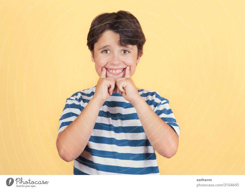 Funny child making smile Lifestyle Joy Medical treatment Playing Human being Masculine Child Infancy Mouth Teeth 1 3 - 8 years Fitness Smiling Laughter