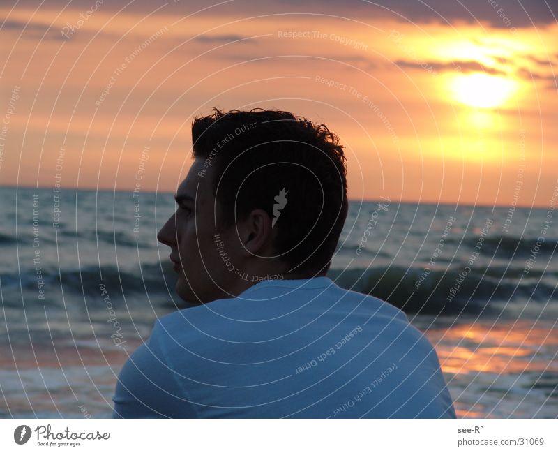 Man Water Sky Sun Ocean Clouds T-shirt Red sky