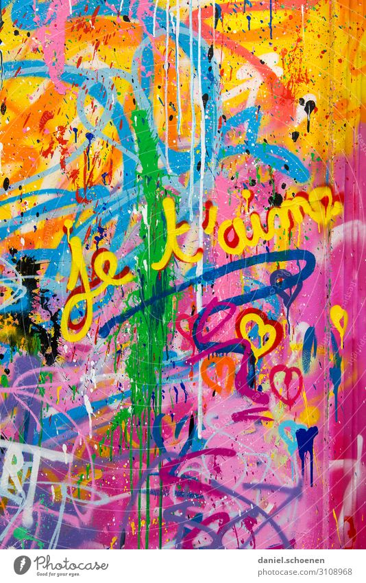 each t´aime Art Facade Sign Characters Graffiti Heart Friendliness Happiness Crazy Blue Multicoloured Yellow Green Violet Orange Pink Red Emotions Joy Happy