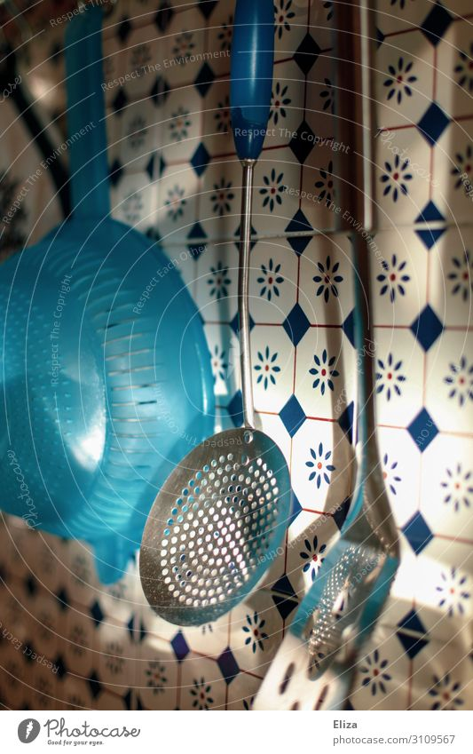 hoo-ha Living or residing Flat (apartment) Kitchen Sieve Wall (building) Tile Pan lifter Colour photo Interior shot Deserted Day