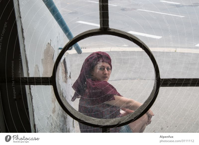 In the photographer's crosshairs Human being Feminine Woman Adults 1 Smiling Looking Cool (slang) Optimism Contentment Expectation Threat Mysterious