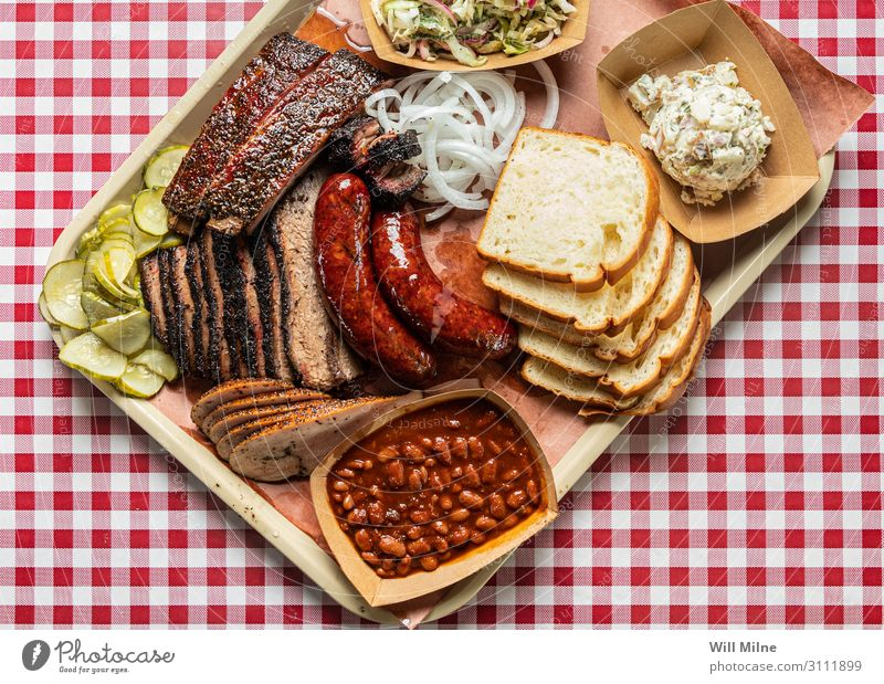 Tray Full of Texas Barbecue Barbecue (apparatus) Barbecue (event) BBQ Barbecue area Lunch Meal Meat Side dish Beans Beef Cow brisket Ribs Bread Dinner Red White