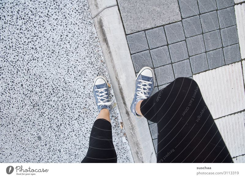 Woman Town Street Legs Stand Asphalt Society Curbside Intersection