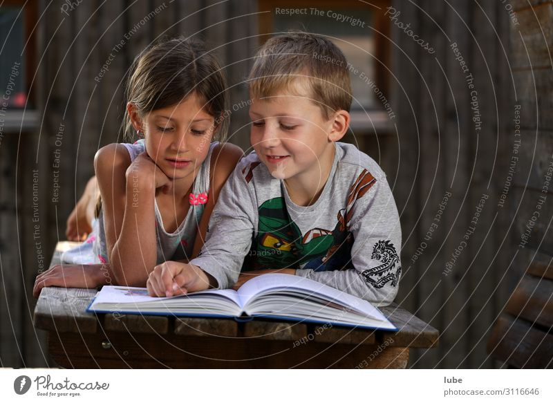 Readers 2 Education Science & Research Study Schoolchild Girl Boy (child) Brothers and sisters Infancy Human being 3 - 8 years Child Book Library Reading