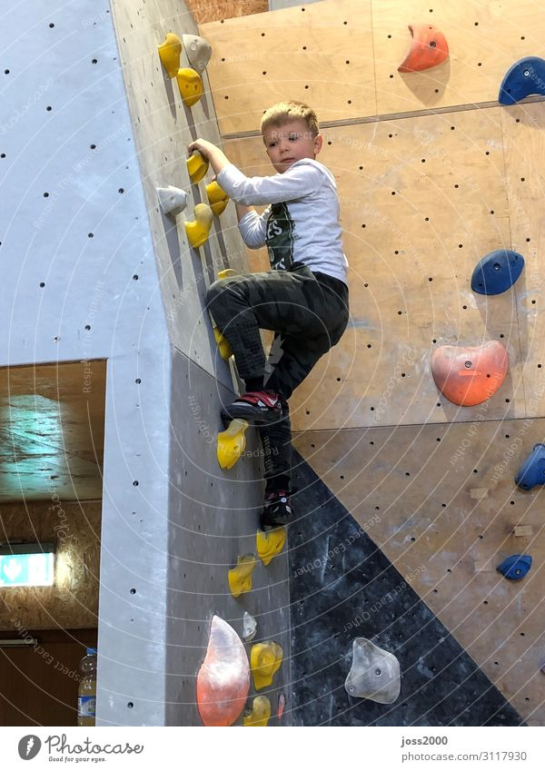 Child Human being Movement Boy (child) Masculine Body Infancy Climbing Mountaineering 3 - 8 years