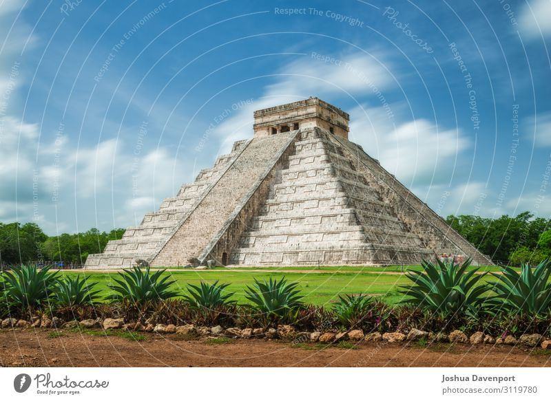 Pyramid of Kukulcan Vacation & Travel Tourism Adventure Sightseeing Ruin Architecture Tourist Attraction Landmark Culture Ancient ancient building