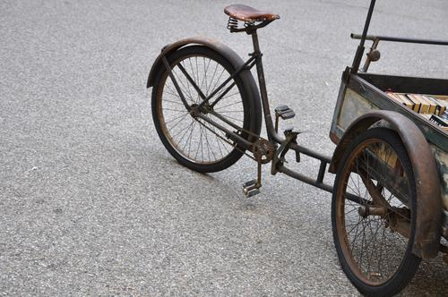 old load bicycle Style Cycling Bicycle Means of transport Street gravel parking gravel yard unsurfaced Freight bike Tricycle Vintage car Guard Pedal