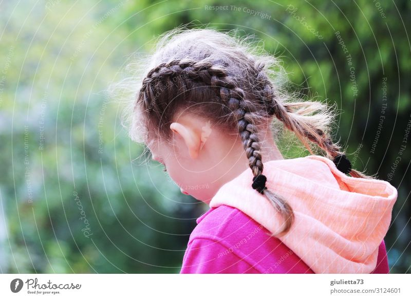 on one's own Girl Infancy 1 Human being 8 - 13 years Child Park Long-haired Braids Sadness Grief Disappointment Shame Loneliness Emotions Identity Uniqueness