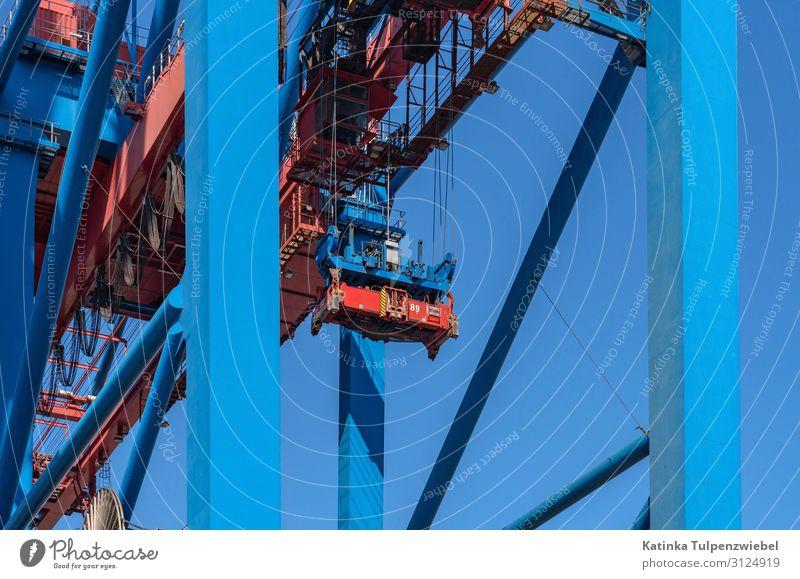 Detailaufnahme: Containerkran im Hamburger Hafen Blue Town Red Business Metal Transport Technology Industry Landmark Harbour Navigation Steel Port City Cargo