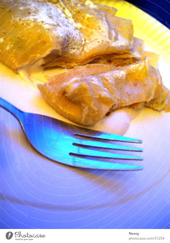 Crêpe.jpg Dessert Sweet Yellow Nutrition Plate Fork Confectioner`s sugar Dough Pancake Dish Blue