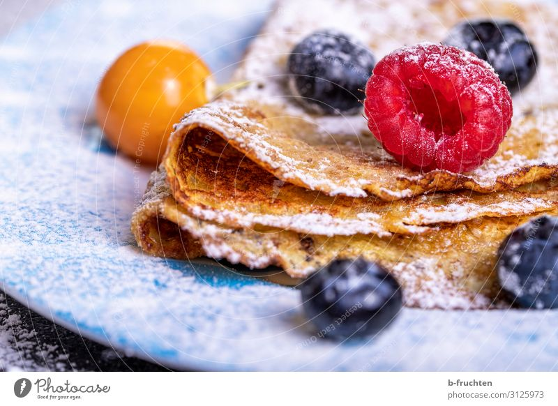 Crepes with berries Food Fruit Nutrition Organic produce Vegetarian diet Healthy Healthy Eating Select To enjoy omlette Pancake Raspberry Blueberry Physalis