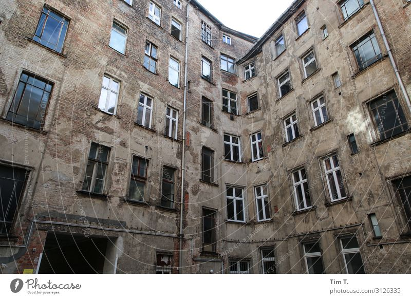 Berlin Backyard Prenzlauer Berg Town Capital city Downtown Old town Deserted House (Residential Structure) Manmade structures Building Architecture
