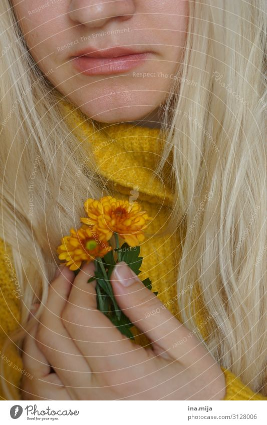 autumn mood Human being Feminine Young woman Youth (Young adults) Woman Adults Friendship Life 1 18 - 30 years 30 - 45 years Nature Autumn Flower Chrysanthemum