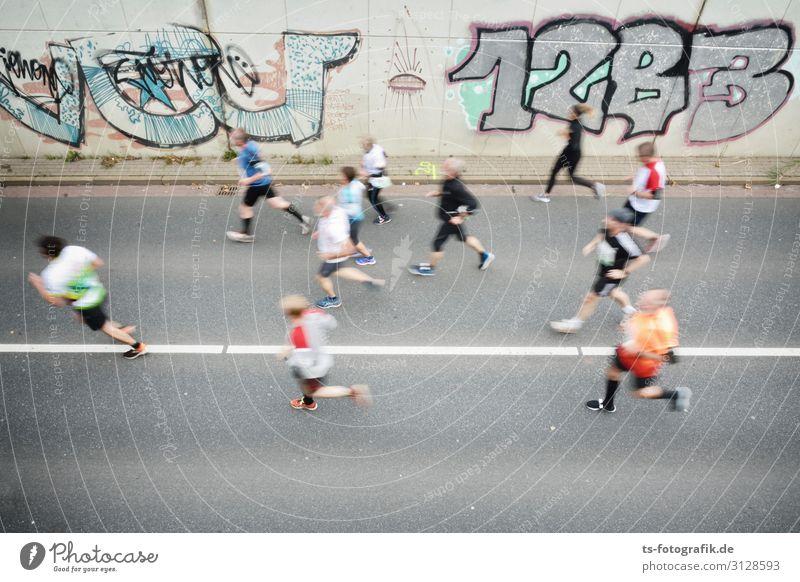 Human being Street Graffiti Feminine Sports Movement Orange Gray Leisure and hobbies Masculine Success Walking Fitness Speed Concrete Asphalt