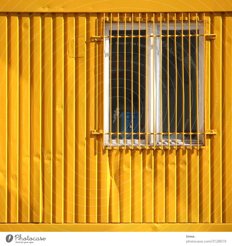 Town Window Yellow Wall (building) Wall (barrier) Living or residing Line Fear Metal Perspective Closed Protection Safety Stripe Manmade structures Surprise
