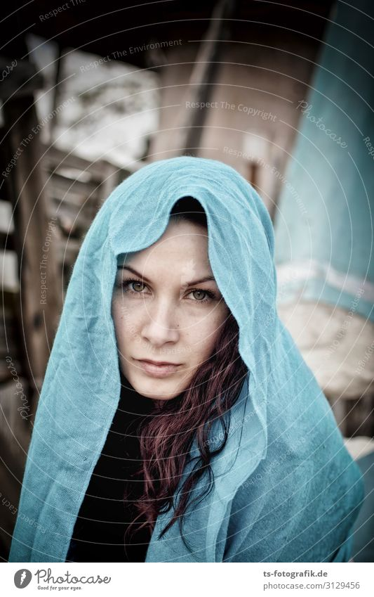 feeling blue Human being Feminine Young woman Youth (Young adults) Woman Adults 1 18 - 30 years Headscarf Brunette Red-haired Long-haired Curl Beautiful Blue
