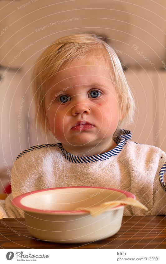 The seriousness, before the click. Nutrition Eating Crockery Plate Bowl Human being Feminine Child Toddler Infancy Head Blonde Cute Sadness Concern Appetite