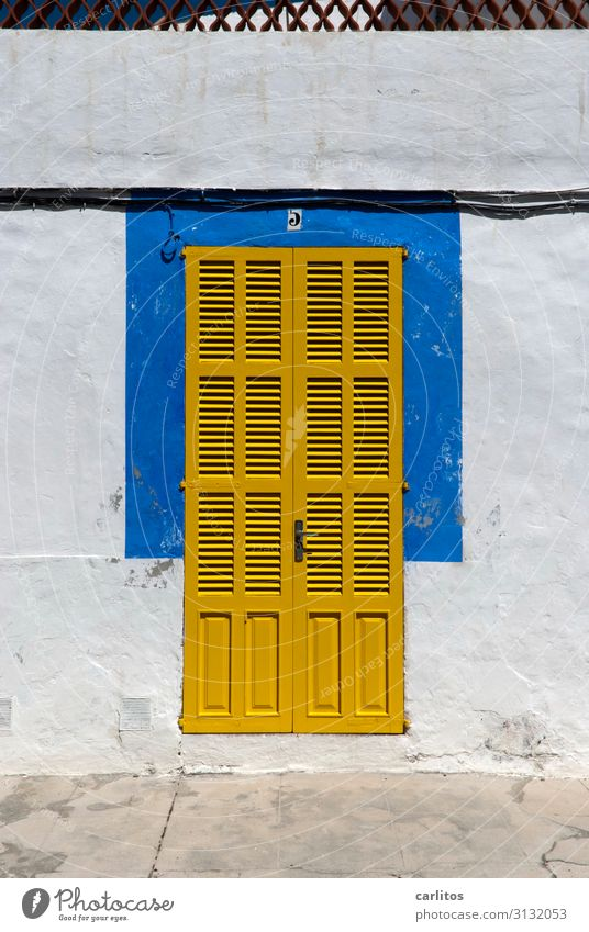 paint it black? Door Yellow Blue Majorca postage paid Closed Intimacy Vacation & Travel