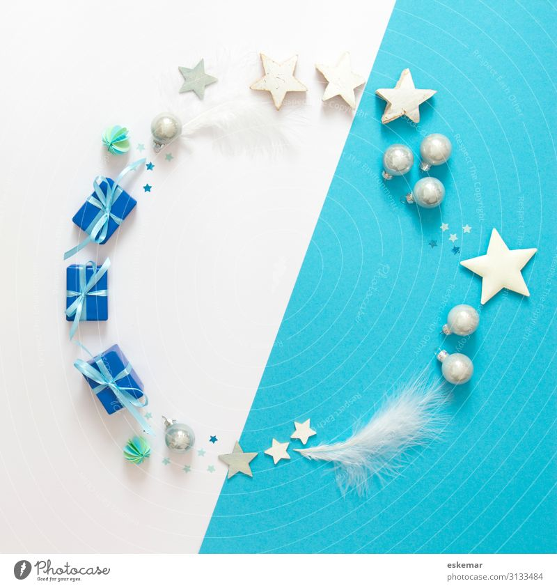 Christmas & Advent Blue Beautiful White Feasts & Celebrations Decoration Esthetic Happiness Feather Gift Places Star (Symbol) Circle Round Metal coil Sphere