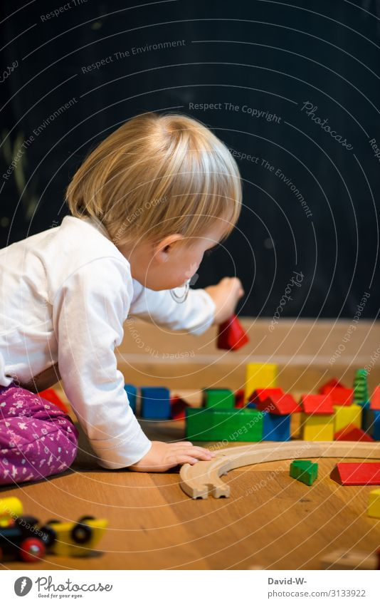 Child Human being Hand Girl Black Healthy Wood Life Environment Feminine Playing Living or residing Flat (apartment) Infancy Action Fingers