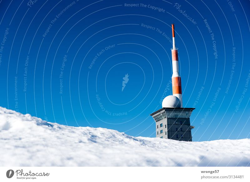Brocken summit in winter Landscape Sky Cloudless sky Winter Beautiful weather Ice Frost Snow Mountain Peak Snowcapped peak Cold Blue Red White Harz Hotel