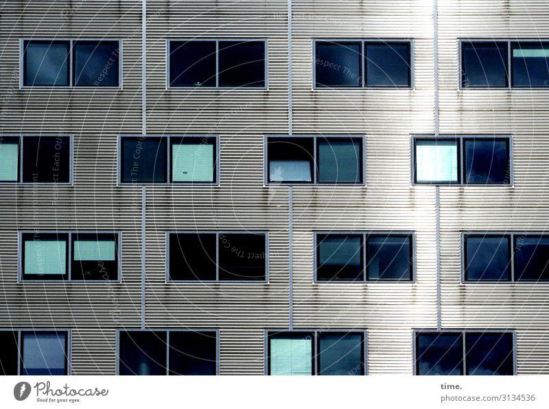 Neighbourhoods (V) Berlin House (Residential Structure) Architecture Wall (barrier) Wall (building) Facade Window Venetian blinds Drape Line Stripe Cool (slang)