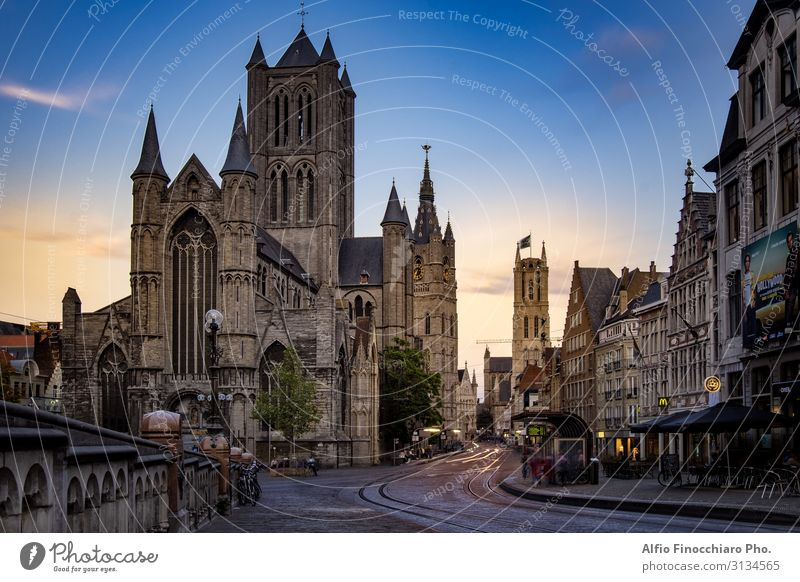 St Nicholas Church in the medieval city center of Ghent Vacation & Travel Tourism House (Residential Structure) Culture Landscape River Town Bridge Building